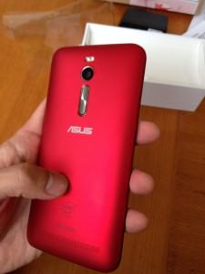 【ZenFone2】開封レビュー。シンプルだけど、何かいろいろ入ってました。