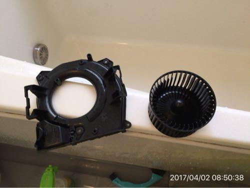 お風呂の換気扇は、定期的に掃除するのが楽です